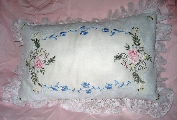 Project: Roses Pillow with Wing Needle Work (May 2013 IEC Bonus Designs)